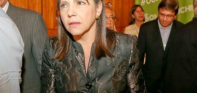 Deu na Folha: Com aval de Temer, Roseana Sarney tentará retomar governo do MA