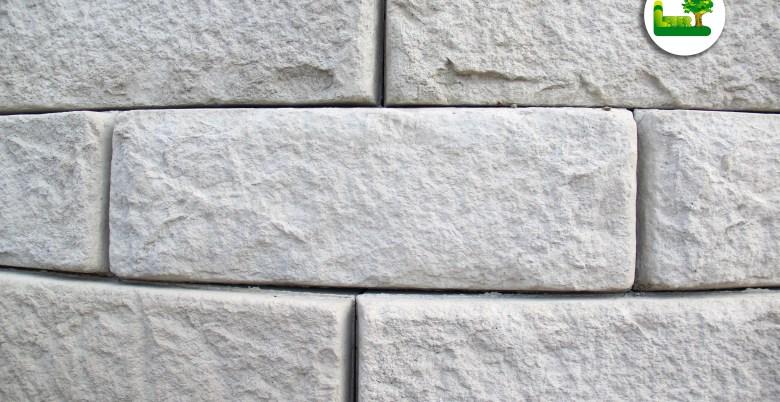 Die einzelnen ReCon Steine einer Rundung. So traumhaft sollte eine Steinmauer aussehen