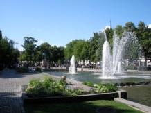 Springbrunnen und grüne, parkähnlihe Anlage in Oslo