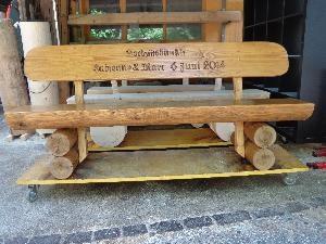 Gartenholzer  Holzskulpturen  Gartenwart  Holzbnke