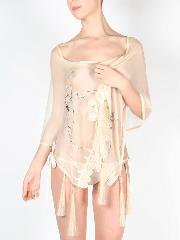 STEPHANIE AMAN White Silk Shawl, 384 €