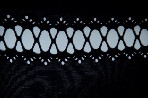 Обзор чулок Kai от английского бренда Erica M. в журнале о нижнем белье GB {Garterblog.ru}. Фронтальный рисунок чулок Kai