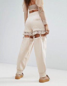 Штаны в бельевом стиле с держателями