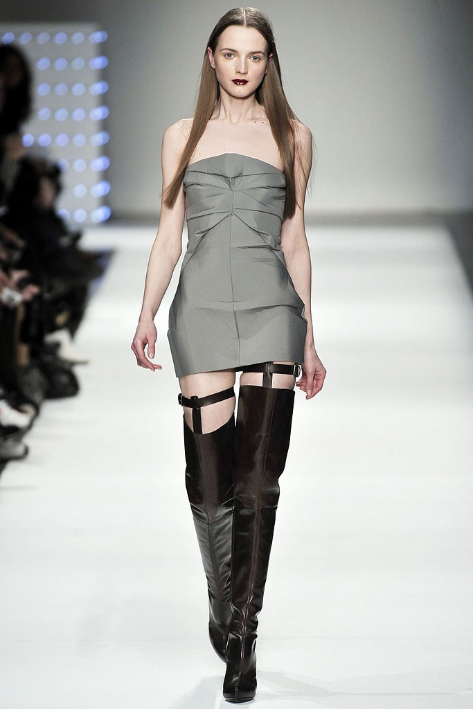 Chalayan Fall 2009 Ready-to-wear. Marcio Madeira