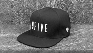 9five_snapback_black_sig