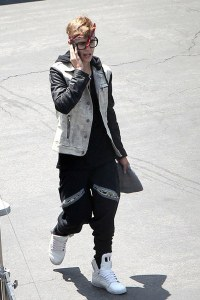 justin-bieber-and-chachi-momma-pants-gallery