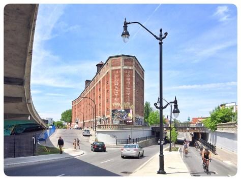 Boulevard Saint-Laurent near the train tracks