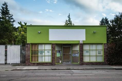 Green building on Petaluma Blvd South