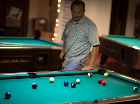 Pool table with no easy shot