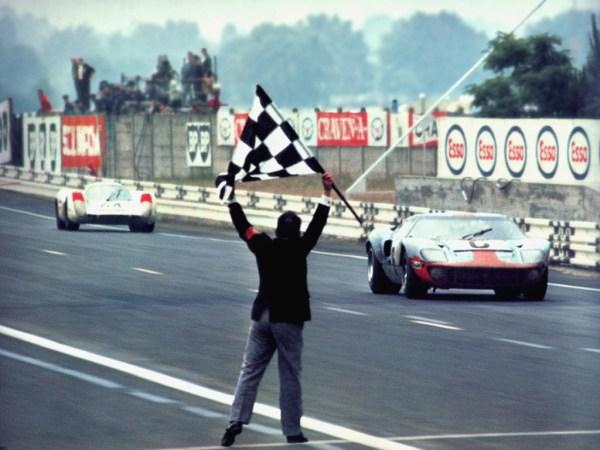 """f11 - """"FORD GT40"""" o matador de Ferraris"""