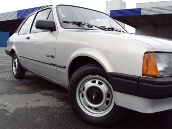 a13 - Chevrolet Chevette - 45 anos