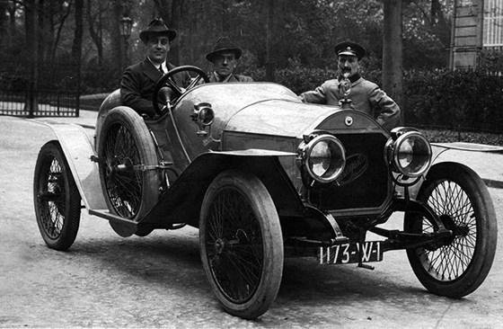 a1 4 - ANASAGASTI - o primeiro automóvel produzido na Argentina