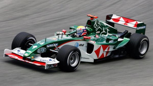q11 1 - Os carros da Jaguar