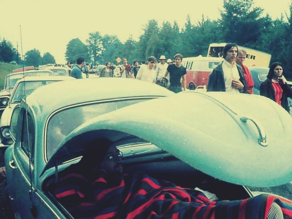 q1 8 - 50 anos do Festival de Woodstock, muito rock, paz, amor e carros.