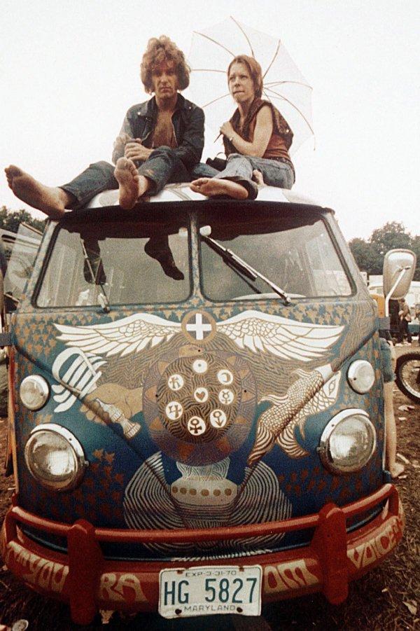 q11 6 - 50 anos do Festival de Woodstock, muito rock, paz, amor e carros.