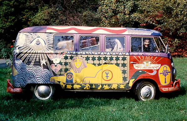 q13 4 - 50 anos do Festival de Woodstock, muito rock, paz, amor e carros.