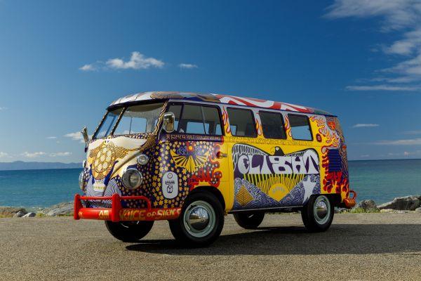 q33 1 - 50 anos do Festival de Woodstock, muito rock, paz, amor e carros.
