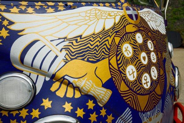 q36 2 - 50 anos do Festival de Woodstock, muito rock, paz, amor e carros.