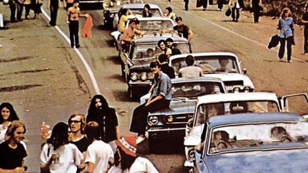 q5 9 - 50 anos do Festival de Woodstock, muito rock, paz, amor e carros.