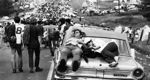 q6 6 - 50 anos do Festival de Woodstock, muito rock, paz, amor e carros.