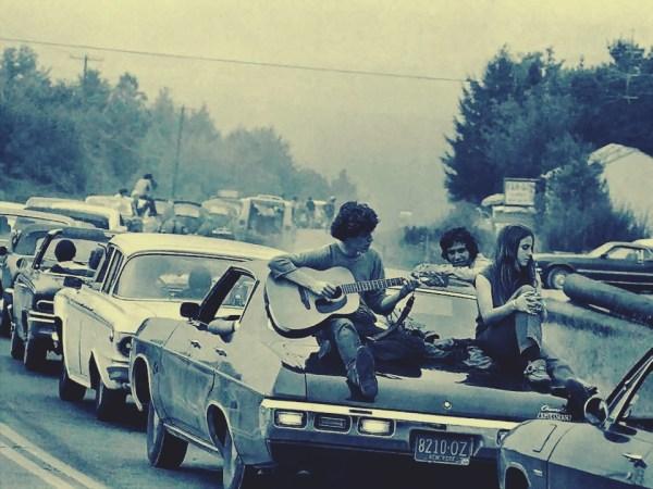 w11 2 - 50 anos do Festival de Woodstock, muito rock, paz, amor e carros.