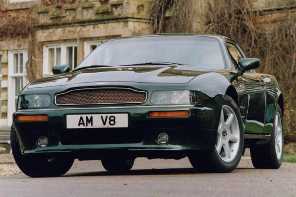 w17 2 - Aston Martin - o puro Inglês