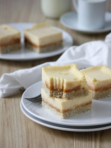 Creamy vanilla and dulce de leche cheesecake