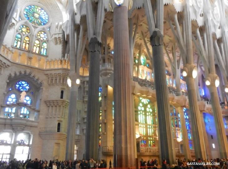 La Sagrada Familia (Barcelona): Templo de luz y color