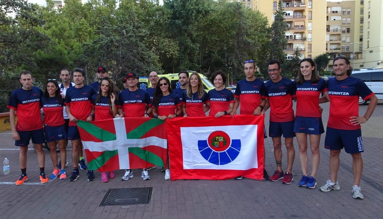 Parte de los deportistas que han participado en los Juegos Europeos de Policías y Bomberos | Foto: Irekia