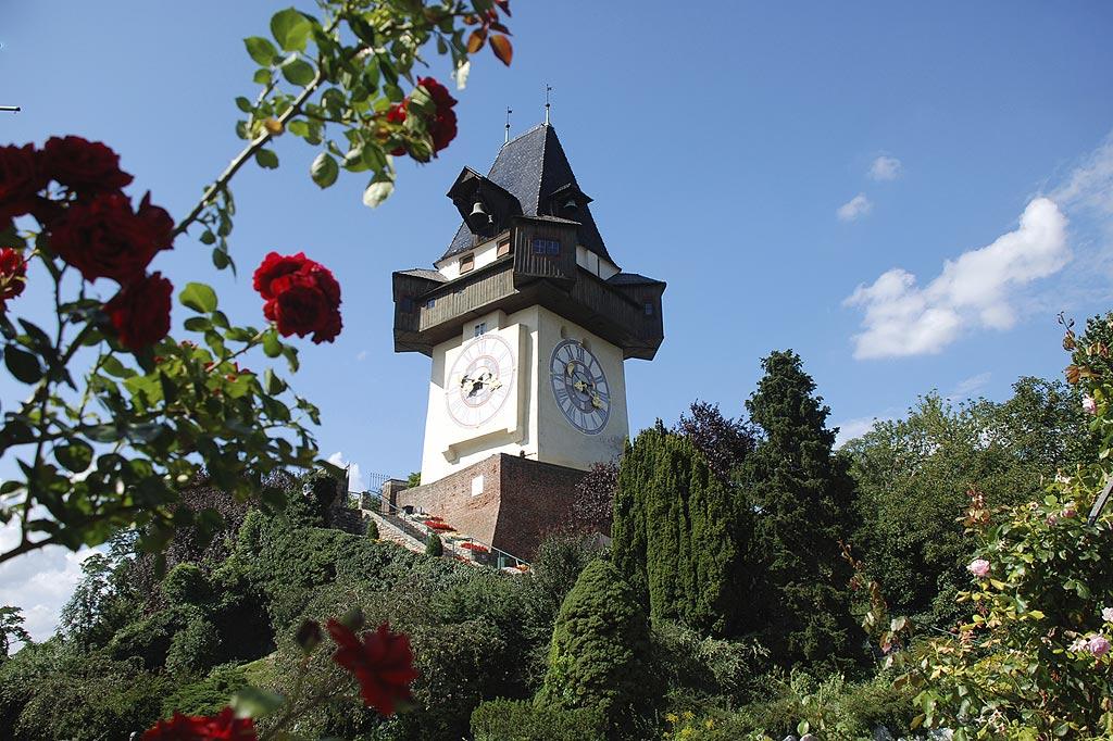 Uhrturm Graz  Das Wahrzeichen der Landeshauptstadt Graz  Gasthof Zur Neuen Post Stibor