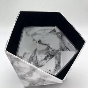 "0D78E0B3 BF4C 4539 AE14 C52D1CD80998 rotated - Leewalia - Boite Origami ""Marbre blanc et noir"""