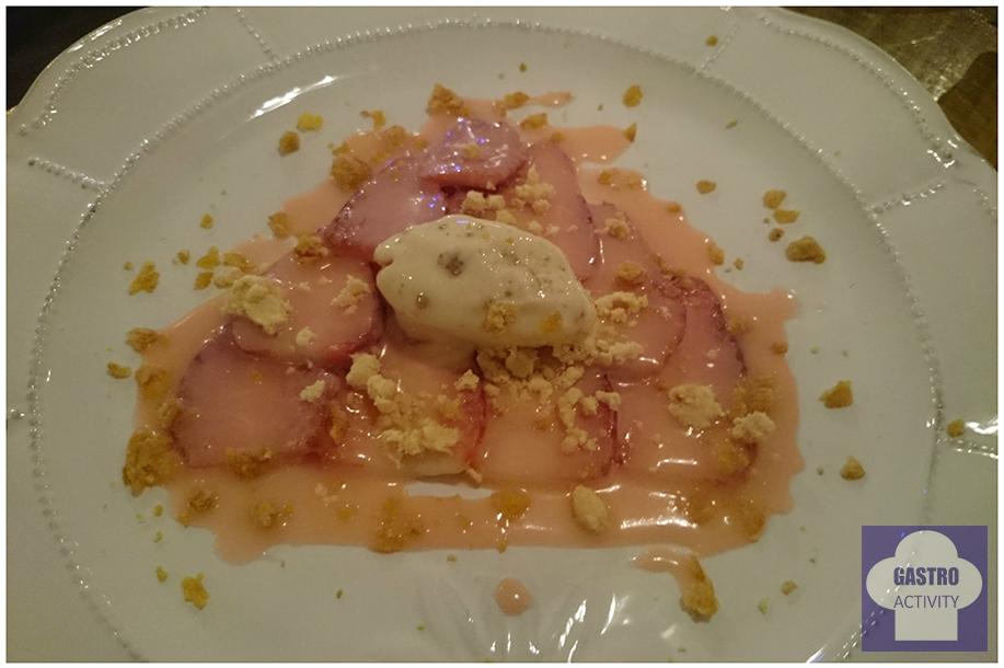 Carpaccio de fresas y helado la gastrocroqueteria