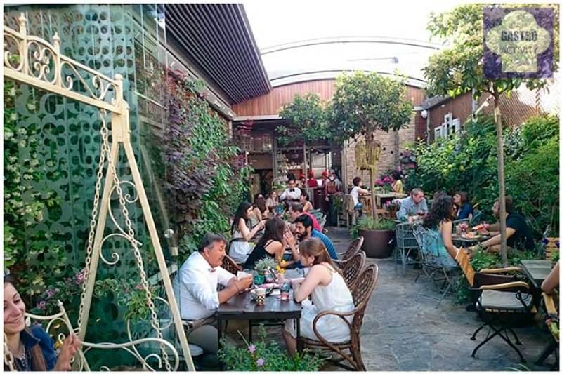 El Jardin Secreto De Salvador Bachiller Terraza En Sol
