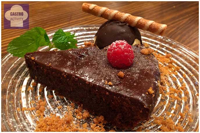 Tarta de chocolate de locos El Patio del Fisgón Chamberí nuevo restaurante Madrid
