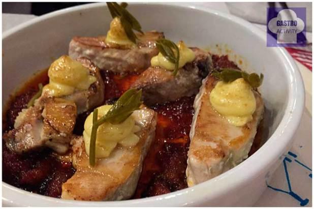 Cazuela de atun con base de sobrasada y Miel Muta Balear restaurante Muta Madrid