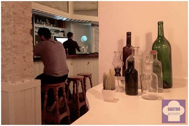 Barra del restaurante Mi Kitxen