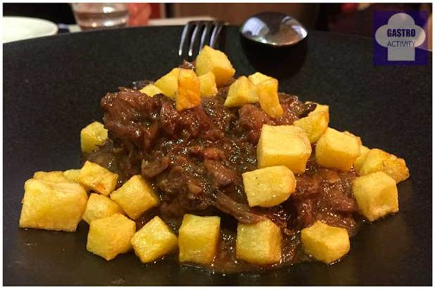 Rabo de toro deshuesado Restaurante Vinateros 28 Moratalaz Madrid
