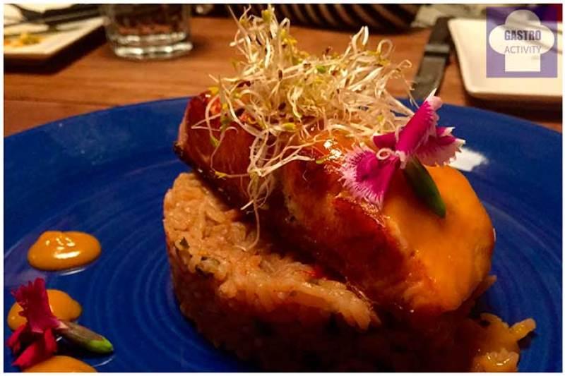 Salmon con maracuya Tapioca Chill & Cocina