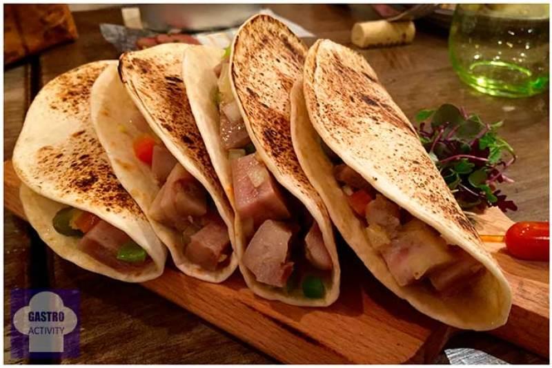 Tacos de morro de cerdo con encurtidos La Tasqueria de Javi Estevez