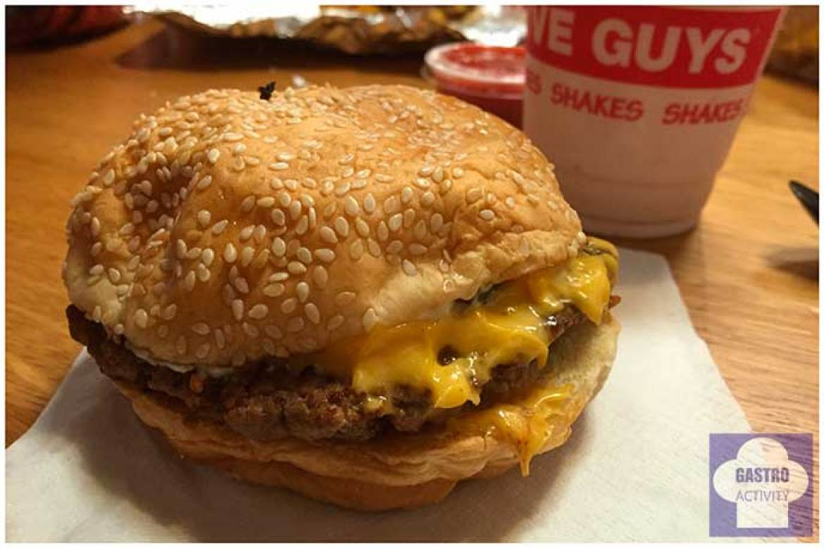 Cheese burger Five Guys Madrid