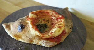 Pizza Calzone Brunch de MASSA PIZZA Chueca