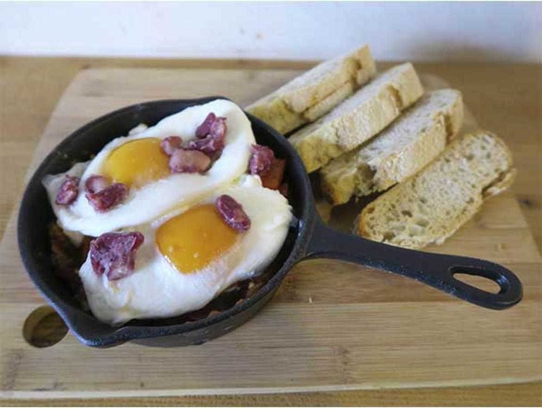 Huevos Rancheros Brunch de MASSA PIZZA