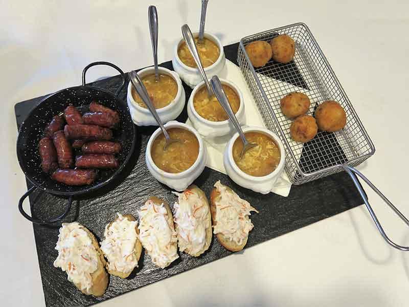 restaurante San Francisco El Pardo croquetas sopas de ajo txistorra tostas de cangrejo