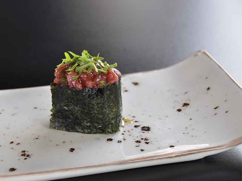 Restaurante japones Inari Gunkan Tartar Toro