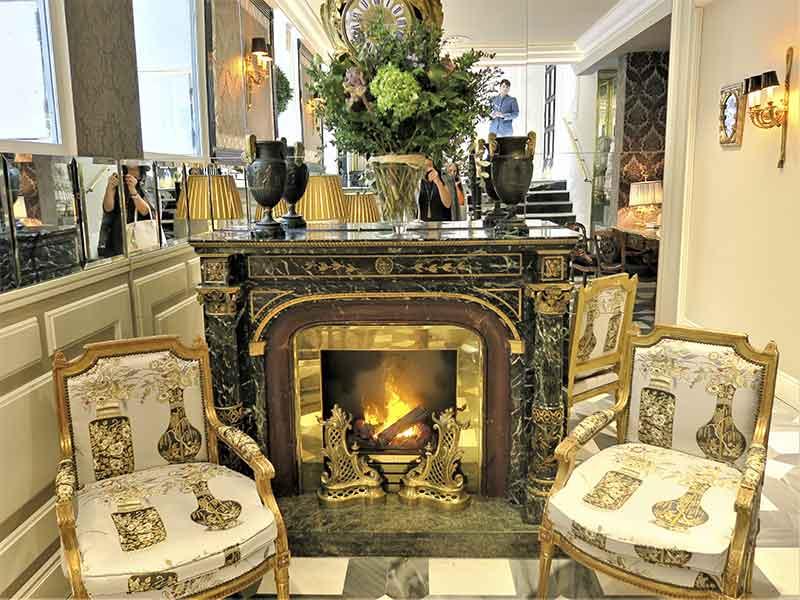 Hotel Heritage chimenea