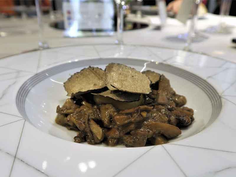 Restaurante Haroma setas con trufa y foie
