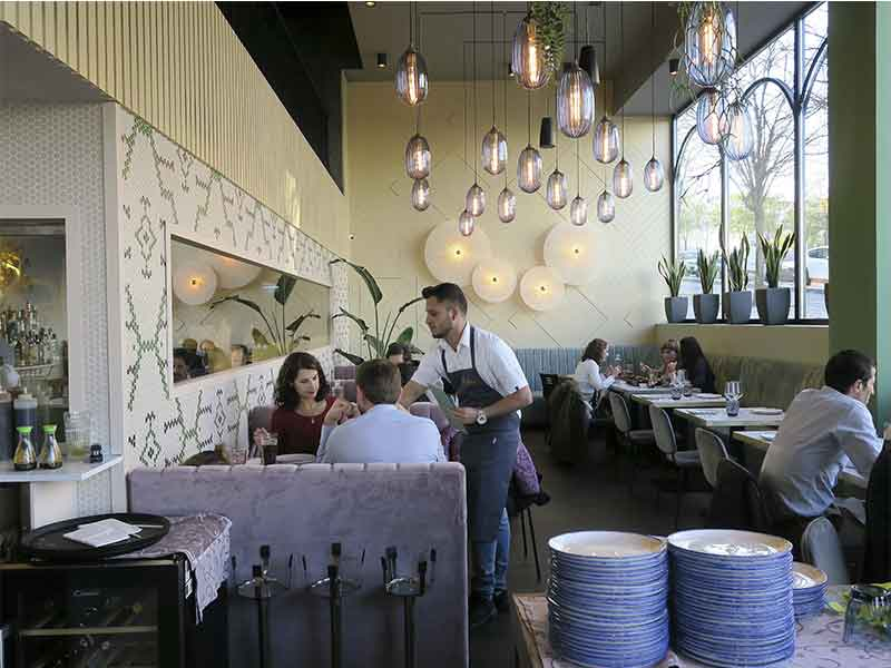 Restaurante Miss Chen en Valdebebas Madrid local
