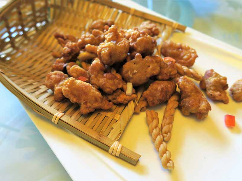 Restaurante chino El Bund Cucurucho de Pollo con sesamo