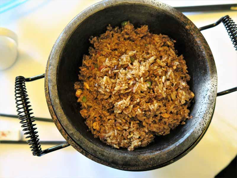 Restaurante chino El Bund arroz frito con carne en salazon
