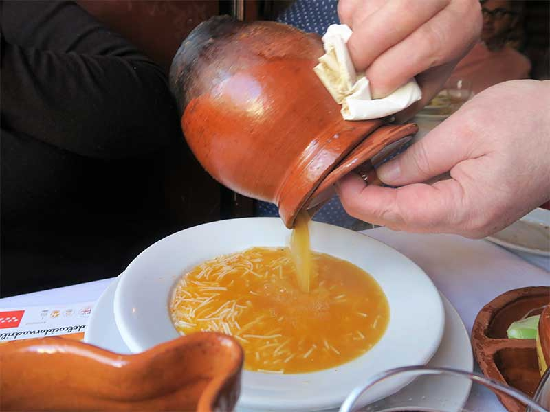 Cocido madrileño Taberna La Bola Sopa